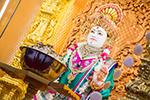 Devotional Dancing to celebrate Fuldolotsav at Shree Swaminarayan Mandir Kingsbury