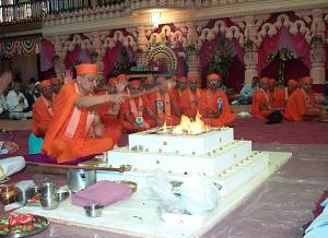 Murti pratishtha ceremony at Shree Swaminarayan Temple Nairobi on 26th December 2000