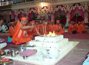 Murti pratishtha ceremony at Shree Swaminarayan Temple Nairobi on 26th December 2000