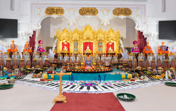 Thousands celebrate Hindu New Year at Kingsbury Mandir
