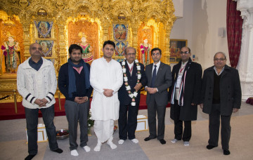 Gujarats Education Minister visits worlds first Eco-Temple in London