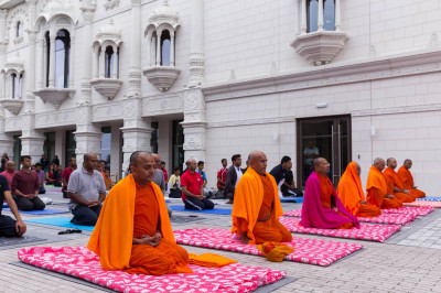 Sants and disciples perform yoga at Shree Muktajeevan Swamibapa Complex