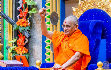 Acharya Swamishree Maharaj Ashirwad - Nairobi 25th Dec 2017