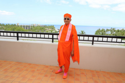 Divine darshan of Acharya Swamishree at various scenic locations throughout the resort