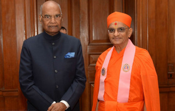 A Meeting of India's Leaders – Acharya Swamishree Maharaj and President Ram Nath Kovind