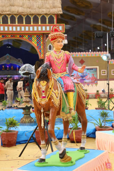 Divine darshan of Lord Shree Swaminarayan riding on the mare Mankhi