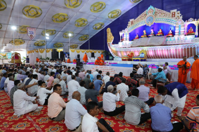Disciples take part in the scripture recitals maha poojan