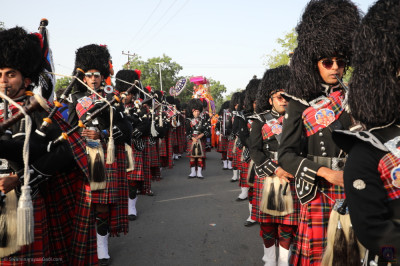 Shree Muktajeevan Swamibapa Pipe Band London perform during the grand procession