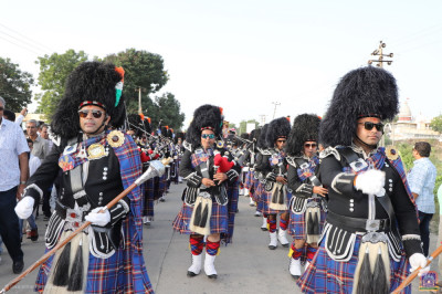Shree Muktajeevan Swamibapa Pipe Band India perform during the grand procession