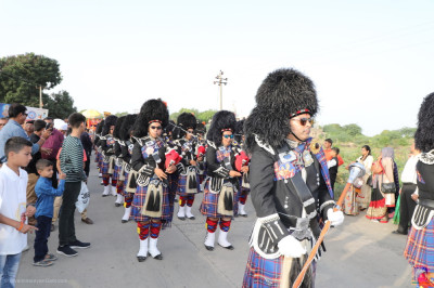 Shree Muktajeevan Swamibapa Pipe Band India perform