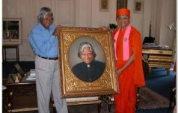 Acharya Swamishree's meeting with President Kalam
