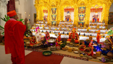 Shakotsav celebrated at Kingsbury Mandir in the divine presence of Jeevanpran Swamibapa's beloved Sants